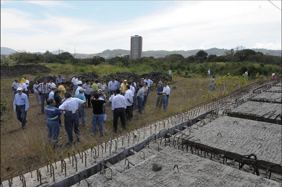 Empresas interesadas en participar proceso licitación construcción Bulevar Diego de Holguín recorren proyecto