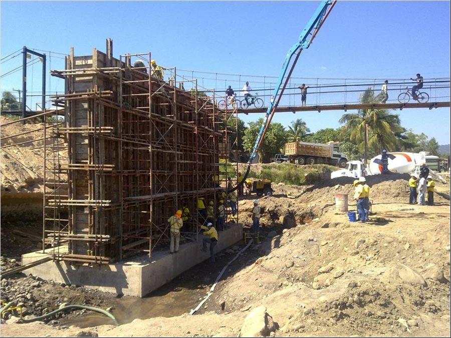 MOP Avanza en construcción Puente Melara, sobre Río Huiza, La Libertad