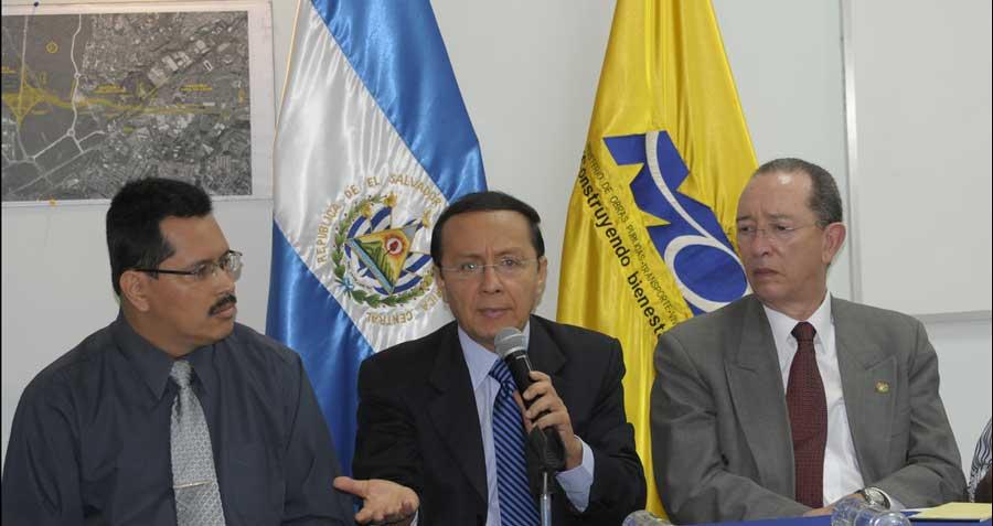 MOP y empresas constructoras y supervisoras participan en Junta de Aclaraciones sobre proyecto Diego de Holguín, Tramo II