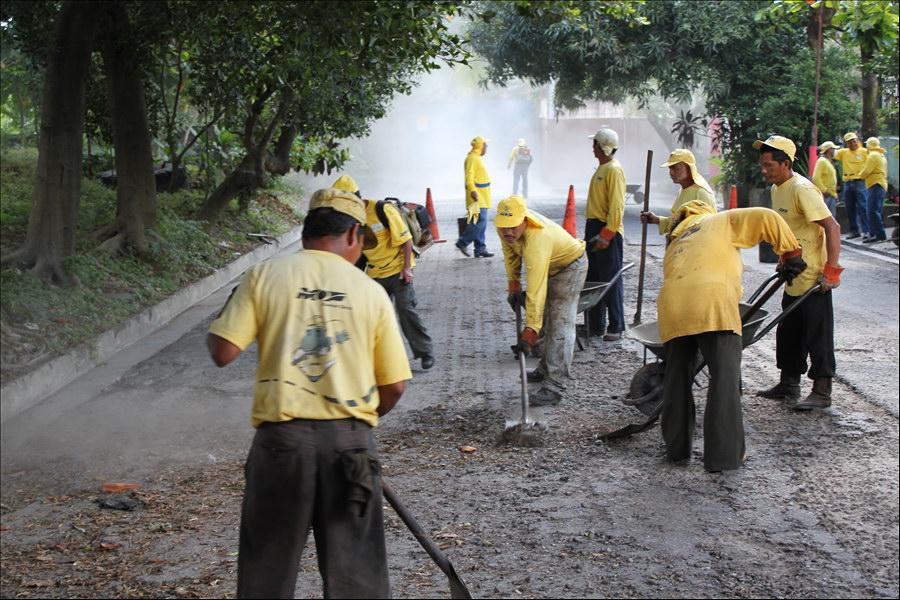 MOP inicia obras de bacheo y recarpeteo en 9.8 kilómetros de principales calles de Soyapango