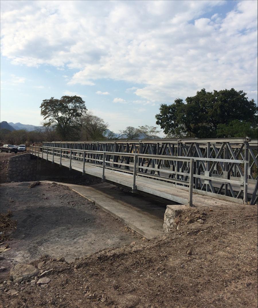 70% de avance en construcción puente sobre quebrada Chocolate, Cantón Tizate, Anamorós, La Unión