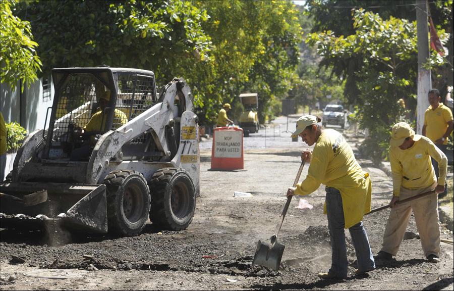 68 % de avance en recarpeteo de Calle Veracruz, ADESCO Los Santos, Soyapango