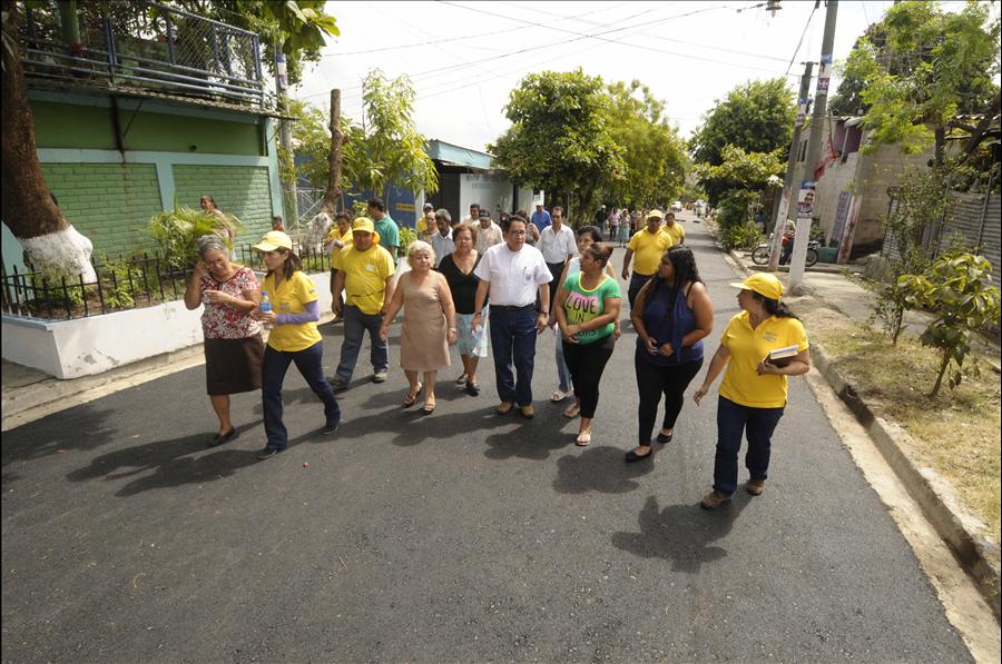 65 % de avance en recarpeteo de Calle Veracruz, ADESCO Los Santos I, Soyapango