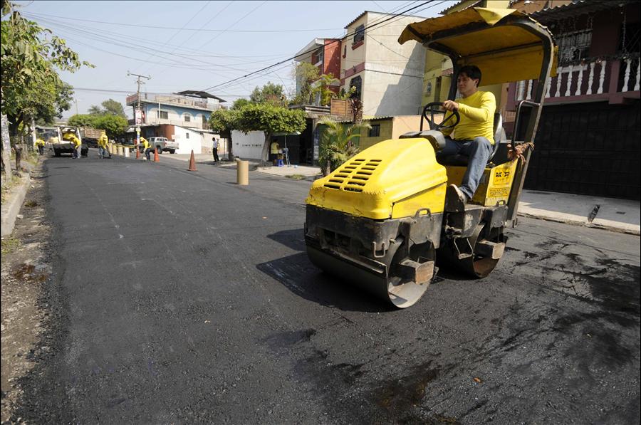 MOP repara 1.2 km calle principal Urbanización Dolores, Mejicanos