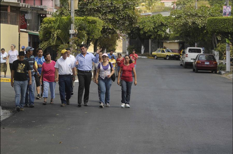 MOP repara 1.7 km de calles Urbanización Dolores, Mejicanos