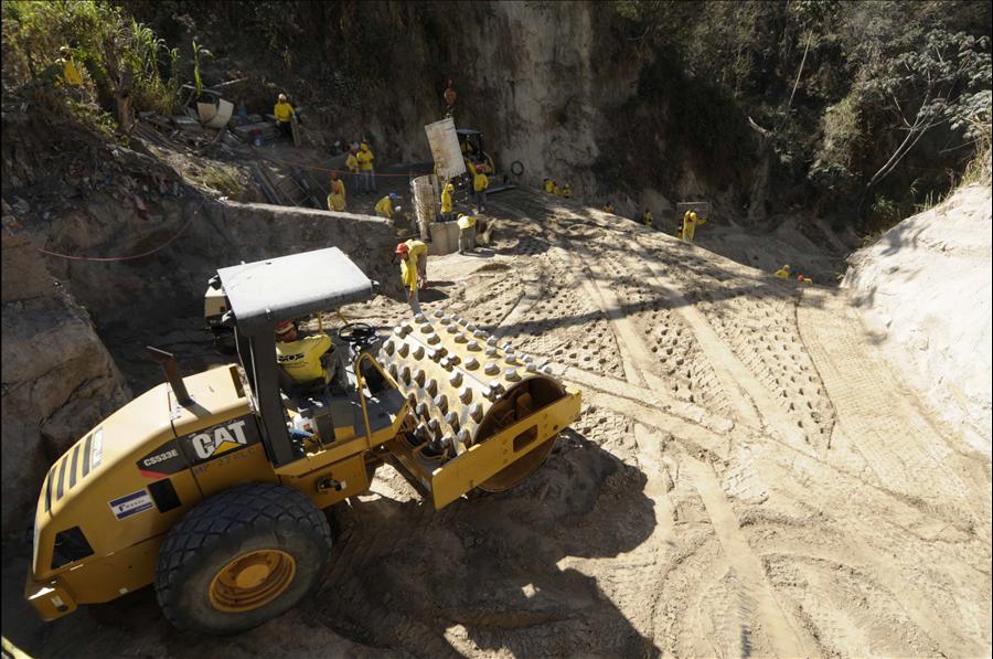 MOP por concluir obras de protección en acceso principal a Reparto Jardines de San Bartolo, Ilopango