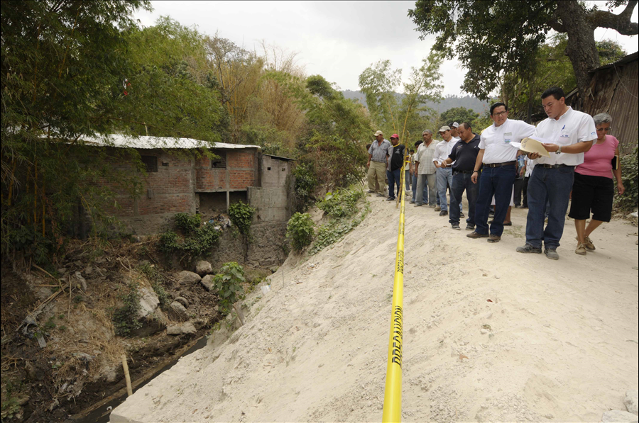 60 % de avance en obras de protección por cárcavas en Colonia Alcaine, San Marcos, San Salvador