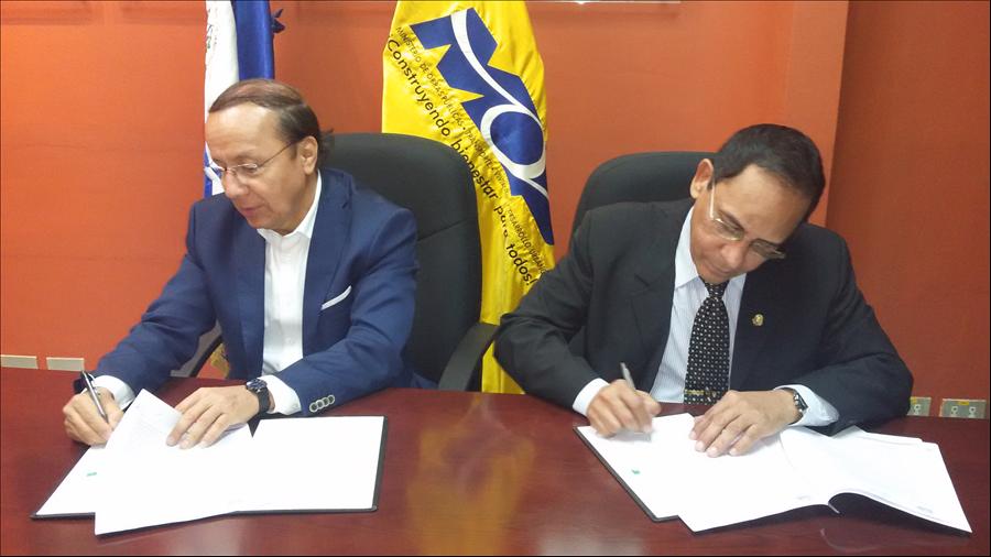 MOP y Universidad de El Salvador suscriben convenio de cooperación para la realización de pasantías