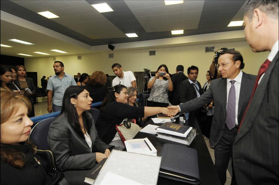 Ministro Obras Públicas atiende invitación de Juzgado 5º. de Instrucción, caso Bulevar Diego de Holguín