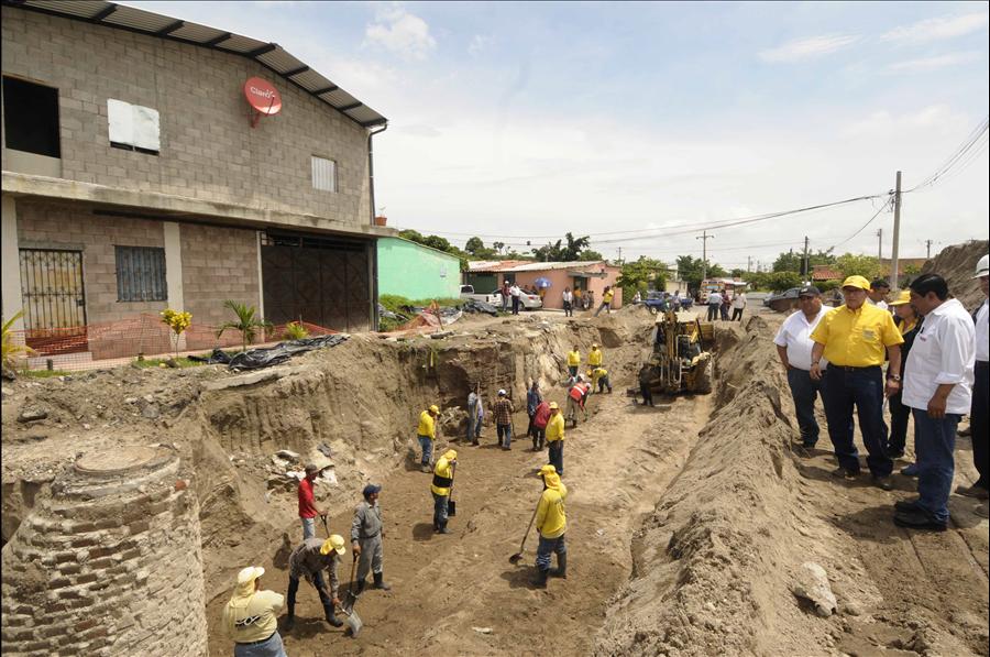 MOP avanza en los trabajos de eliminación de cárcava en Urbanización Ciudad Futura Fase II, Cuscatancingo