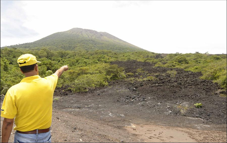 MOP monitorea permanentemente obras de protección en volcán Chaparrastique, San Miguel