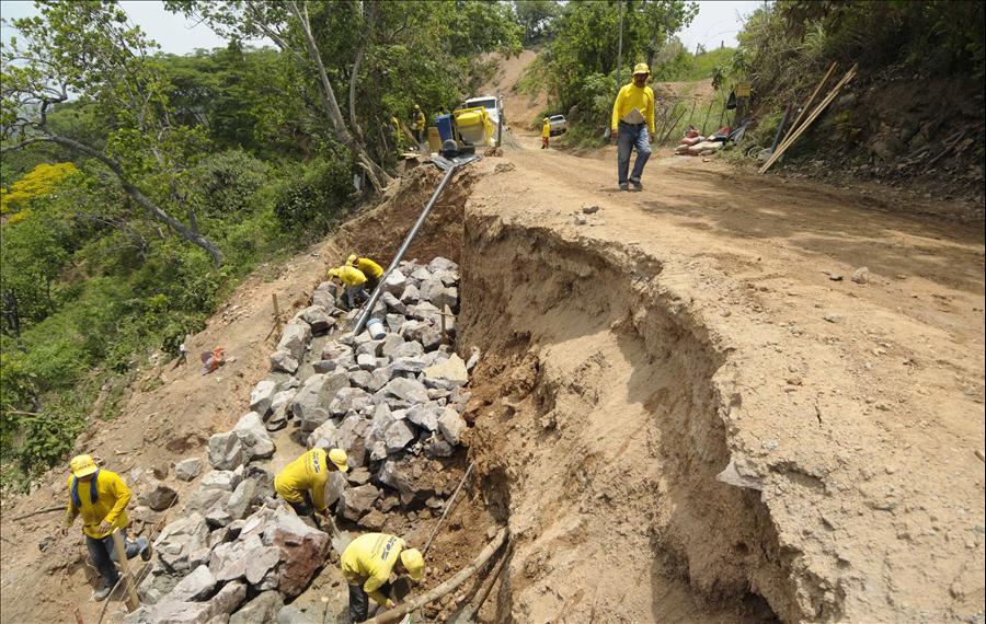 MOP saca a licitación tres proyectos para construcción de dos puentes y una obra de protección