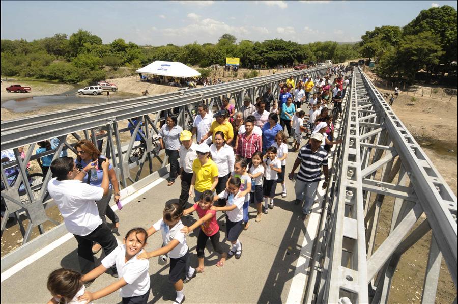 MOP entrega a ciudadanía puente sobre Río Tihuapa, Cantón Cangrejera, La Libertad