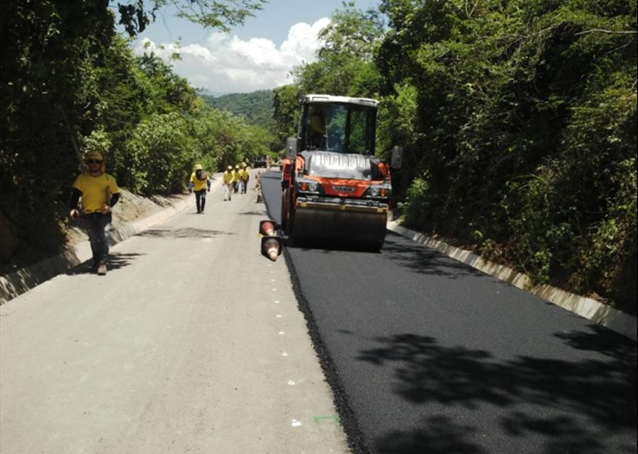 63% pavimentación de carretera Nueva Trinidad, Arcatao, Chalatenango