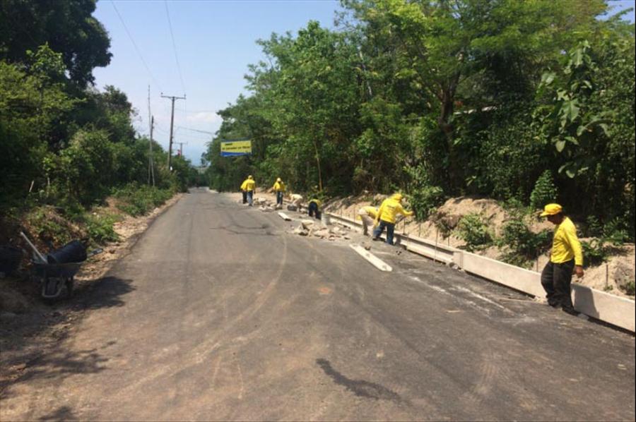 98% de avance en pavimentación de 600 metros de calles comunidades El Barío y El Cereto, Suchitoto, Cuscaltlán