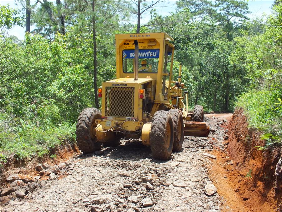 MOP repara 25.9 km de calles rurales de Panchimalco, San Salvador