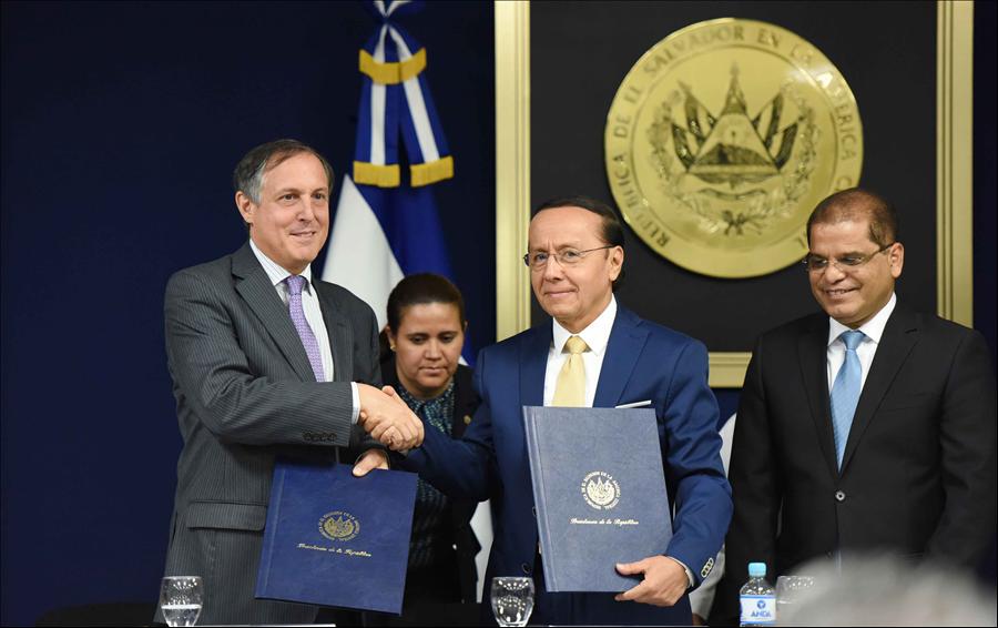 El Salvador y México firman convenio para desarrollo infraestructura vial estratégica con fondos Yucatán-BCIE