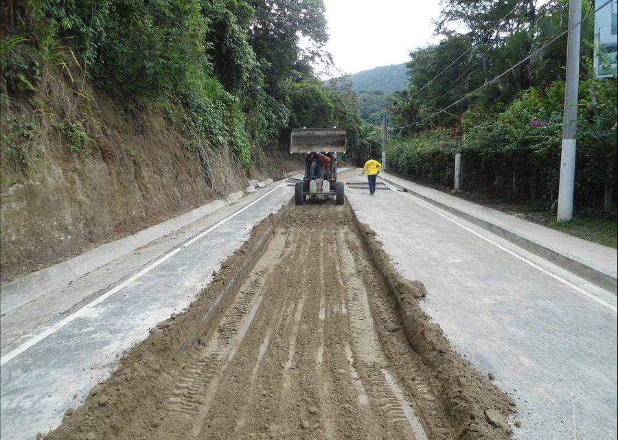 MOP avanza en obras de protección Calle El Guaje, Ilopango, pese a lluvias