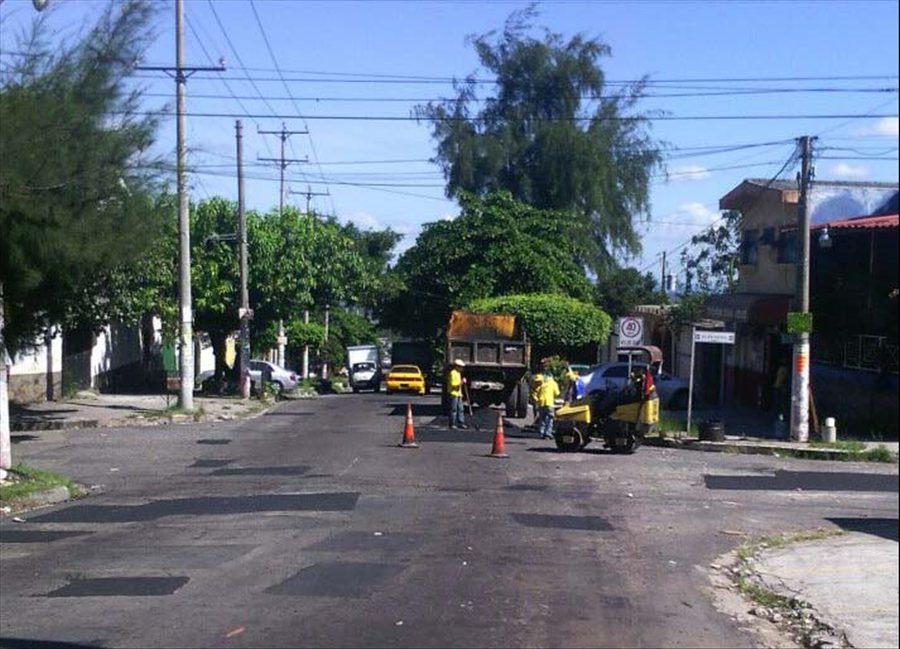 MOP repara Paseo Miralvalle, San Salvador