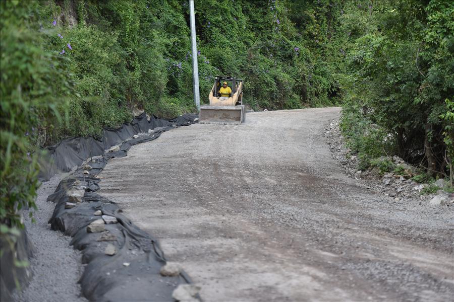 MOP por finalizar mejoramiento de carretera Potonico, Chalatenango