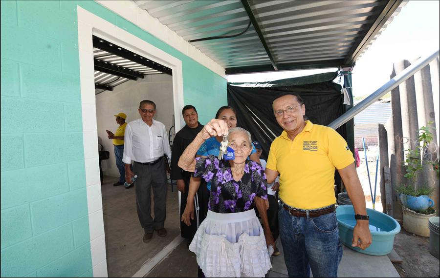 San Francisco Gotera, Morazán: 110 familias de Lotificación Nuevo Amanecer reciben viviendas permanentes