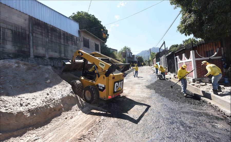 MOP inicia pavimentación de calle Antekirta II, Soyapango, San Salvador