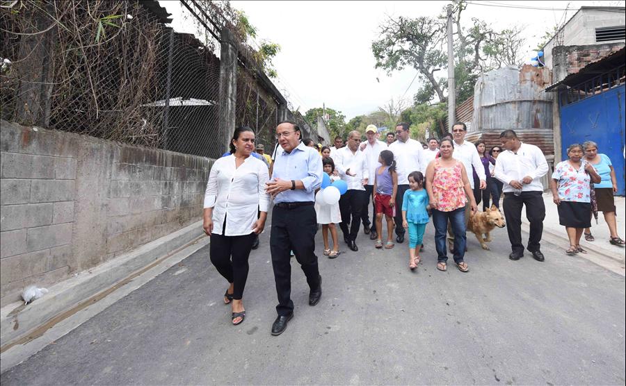 292 familias de Comunidad San Miguel, Mejicanos, beneficiadas con infraestructura social