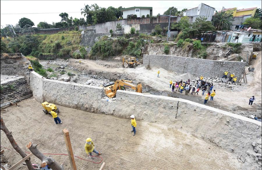 MOP avanza en construcción obras de protección en Comunidad Nueva Israel, San Salvador