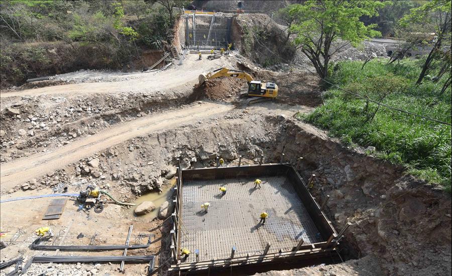 MOP avanza en la construcción de dos nuevos puentes en Chalatenango