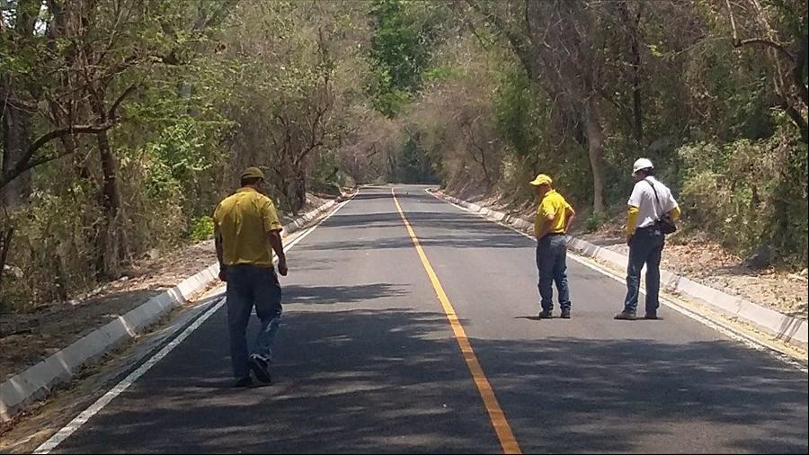 MOP concluye pavimentación de carretera Suchitoto-Cinquera, Tramo II