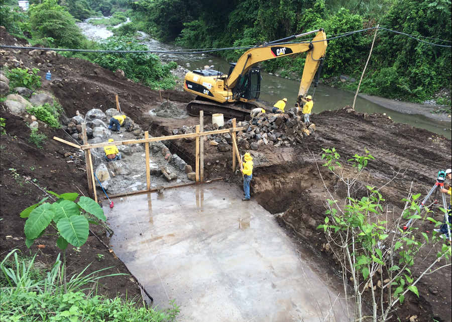 20% de avance en construcción puente Cutumayo entre Apastepeque y San Vicente