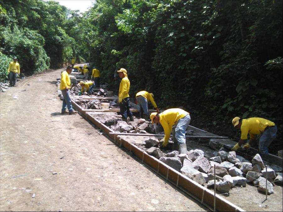 48% de avance el  mejoramiento de carretera  Apaneca Quezalapa- San Pedro Puxtla, Ahuachapán