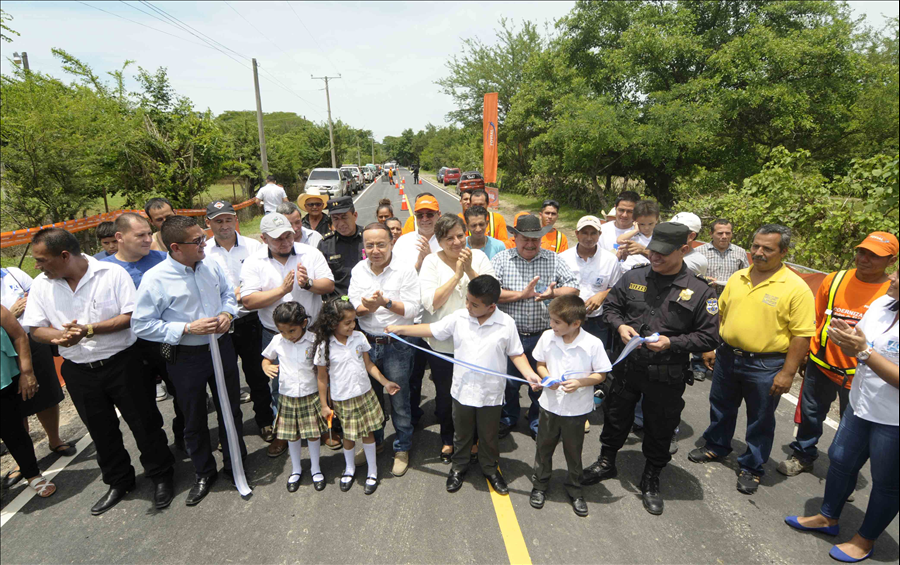 FOVIAL entrega obras de modernización de la ruta Agua Caliente, Chalatenango
