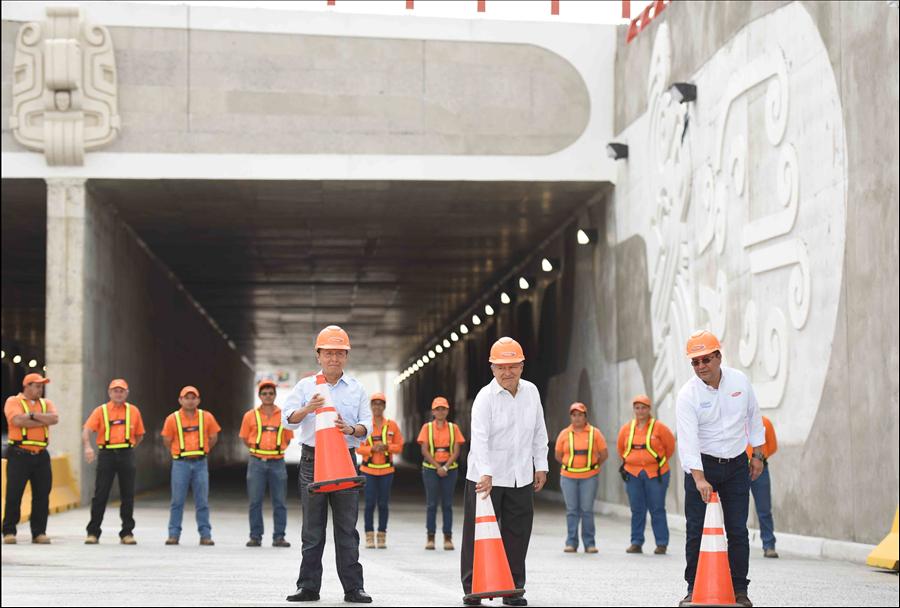 Presidente supervisa y habilita paso Túnel Masferrer