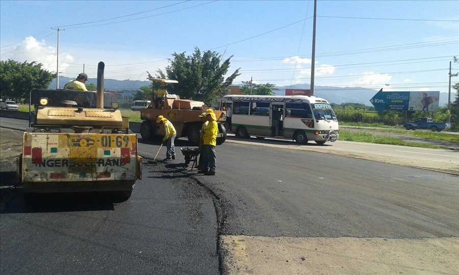 MOP Por finalizar ampliación a un tercer carril calle que de Quezaltepeque conecta con carretera Panamericana, desvío San Juan Opico, La Libertad