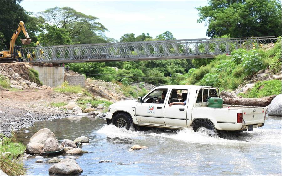 98% avance construcción puente Cutumayo entre Apastepeque y San Vicente