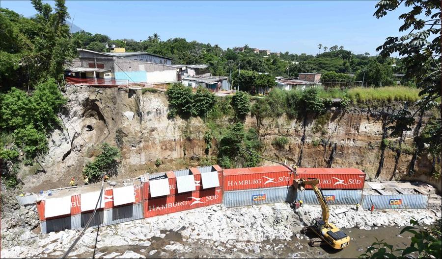 MOP inspecciona avance construcción obras de protección en Comunidad La Isla I, San Salvador