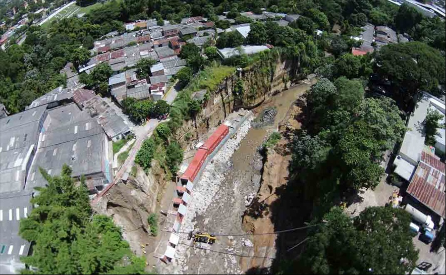 MOP avanza en construcción obras de protección en Comunidad La Isla I