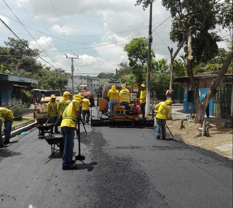 MOP recarpetea calles de Colonia Jardín, Mejicanos