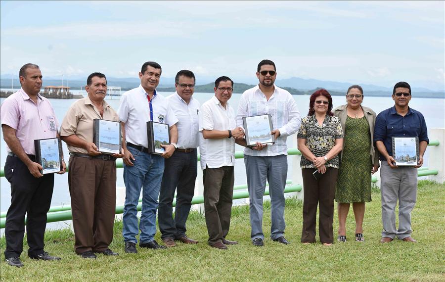 MOP entrega planes de ordenamiento urbano para el fortalecimiento de municipios de Región La Unión (Golfo de Fonseca)