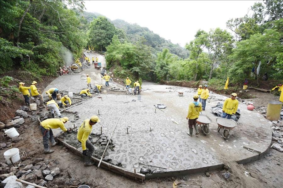 Avanza el proyecto de carretera Apaneca-Quezalapa- San Pedro Puxtla, Ahuachapán