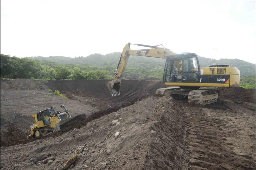 MOP realiza limpieza de reservorios en Volcán Chaparrastique, San Miguel