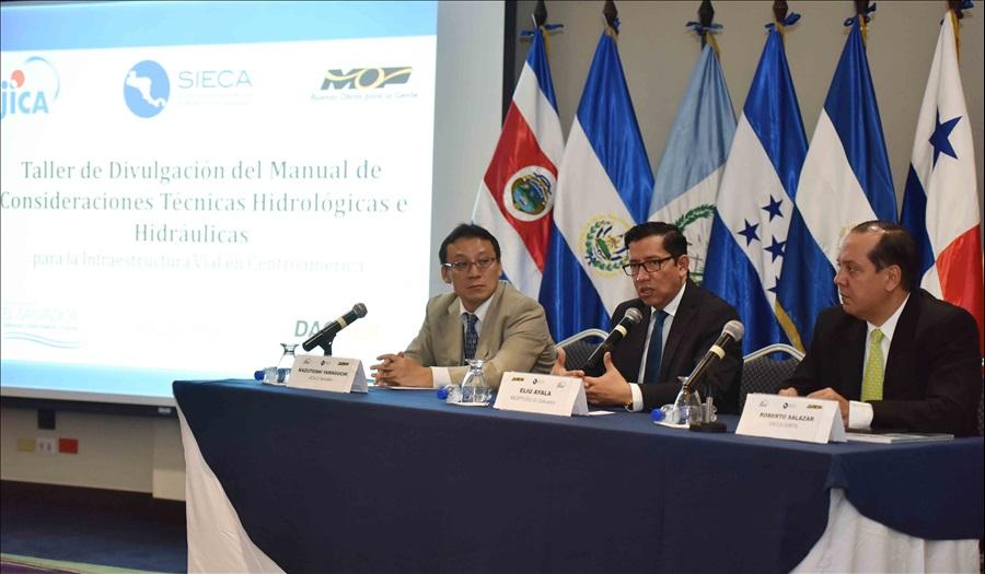 En taller regional MOP presenta Manual de Consideraciones Técnicas Hidrológicas e Hidráulica para infraestructura vial en Centroamérica