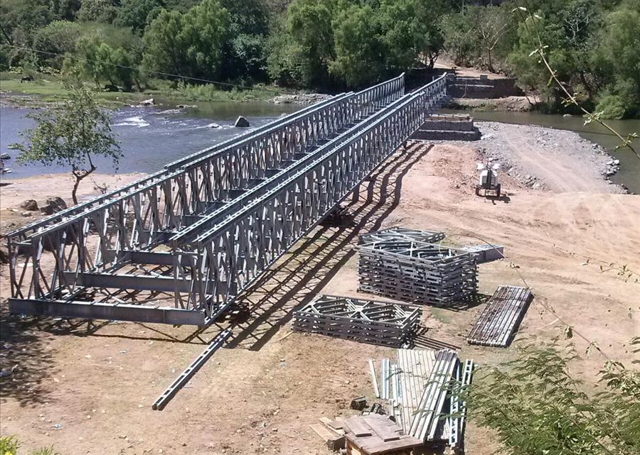MOP y FOVIAL avanzan en construcción puente provisional en Frontera Las Chinamas