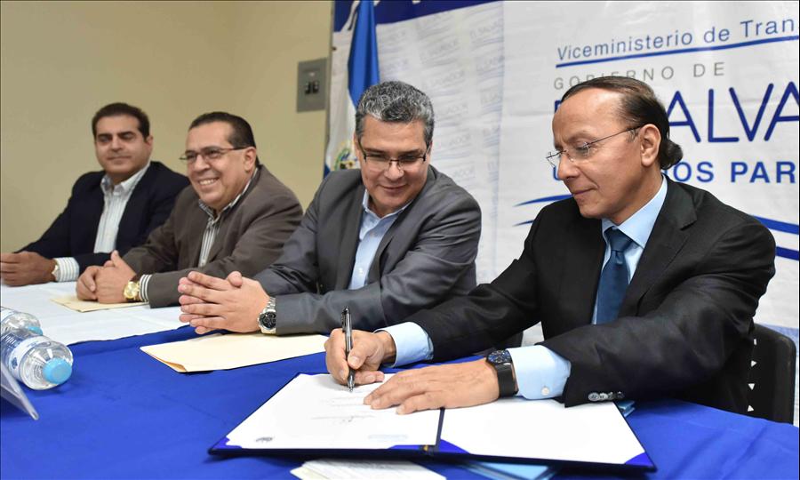 MOP suscribe convenio para construcción de Estación Central de buses del SITRAMSS y sistema de circulación peatonal sobre Bulevar del Ejército