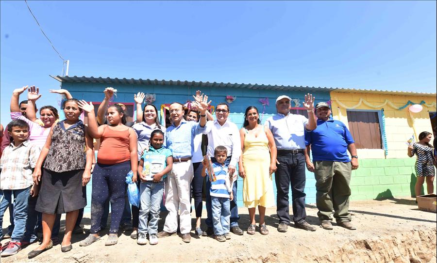 MOP entrega nueva colonia a 68 familias de San Esteban Catarina, San Vicente