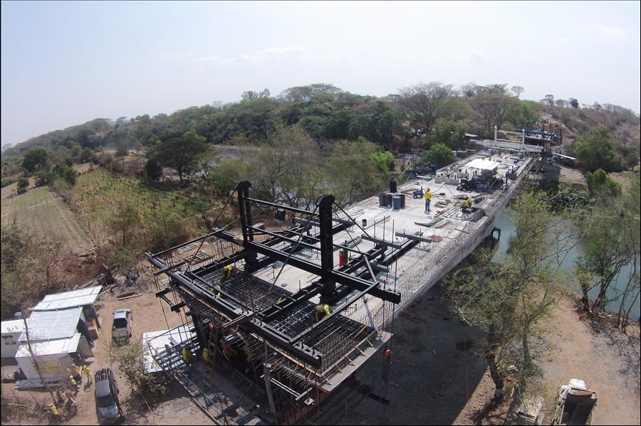 85% de avance en construcción de estratégico Puente El Progreso, sobre Río Lempa, que unirá a Chalatenango con La Libertad