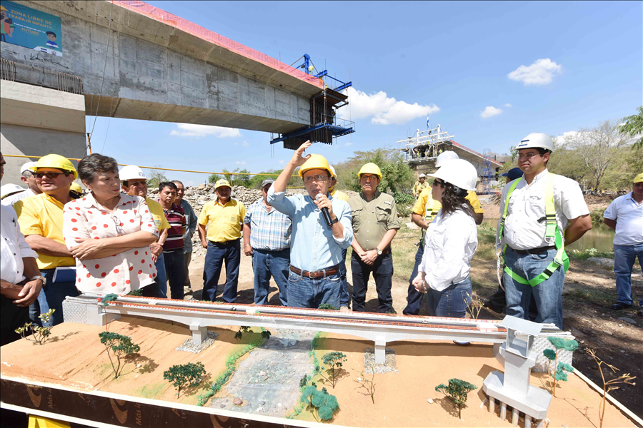 MOP avanza en construcción de estratégico Puente El Progreso, sobre Río Lempa, que conectará a Chalatenango con La Libertad
