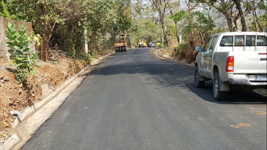 MOP finaliza pavimentación de 1.4 km de tramo de calle de Yucuaiquín La Unión