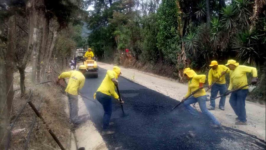 MOP pavimenta tramo de zona turística en Cantón Las Pilas, San Ignacio, Chalatenango